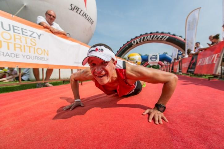 Triathlon Chodzież i obowiązkowe pĄ przed metą / fot. Bikelife